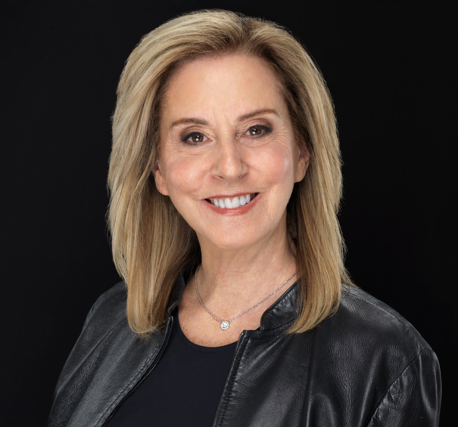 To learn a little more about The Pro Age Woman you can listen to the Generation Jones Podcast below. I was interviewed by the wonderful Wendi Cooper on all things aging.