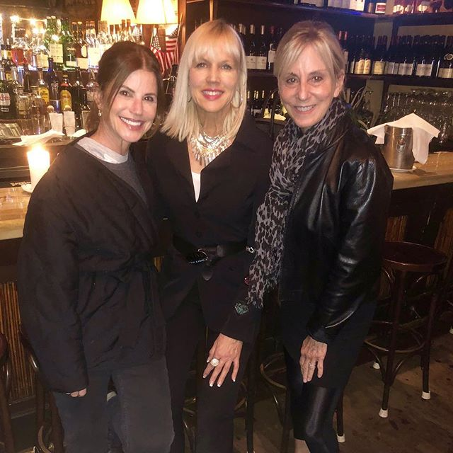 Good Monday morning. Had such a wonderful meet up with my friend the amazing Barbara @perennialproject and my now friend the Forever Fierce Catherine @catherinegraceo....sharing stories and thoughts on coming together to create a stronger movement against ageism....what are powerful force we are....this community of Pro-Age Women.....fabulous!!!!!