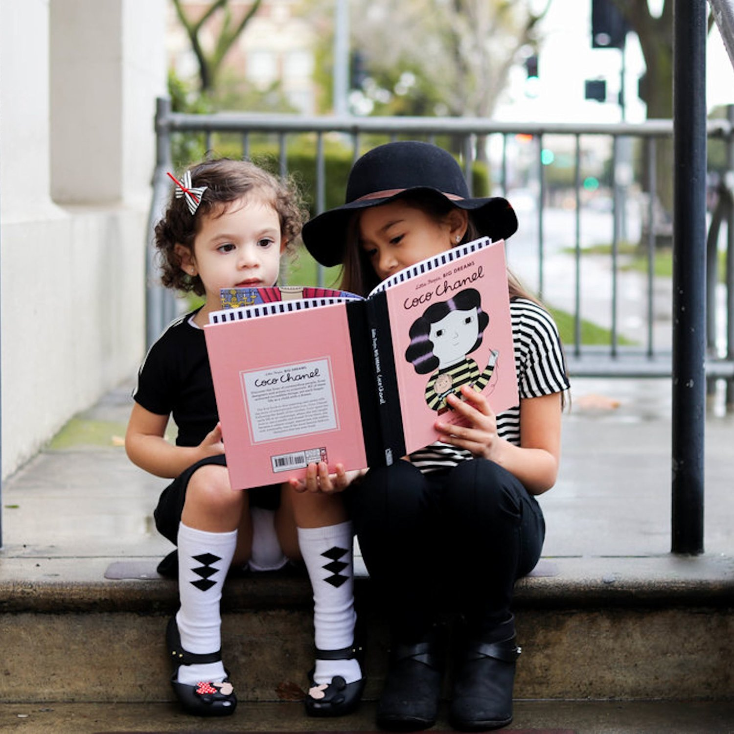 2000x2000.fit.Little-People-Big-Dreams-Coco-Chanel-Book-81178_5.jpg