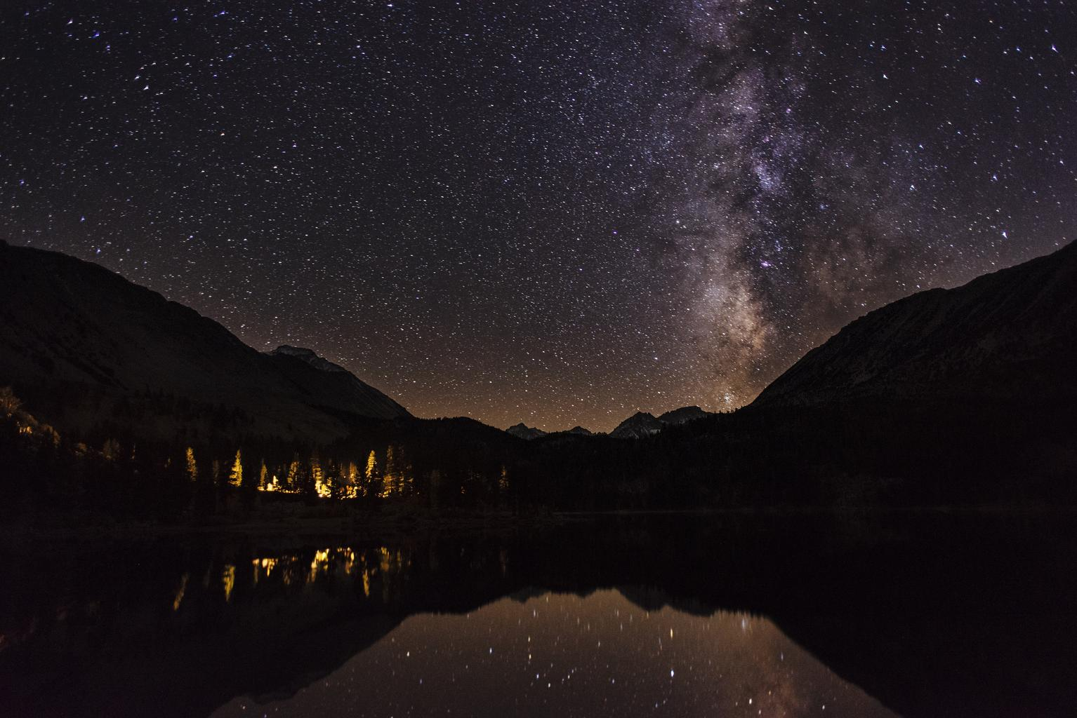 starry_night_mountains_landscape_0.jpg