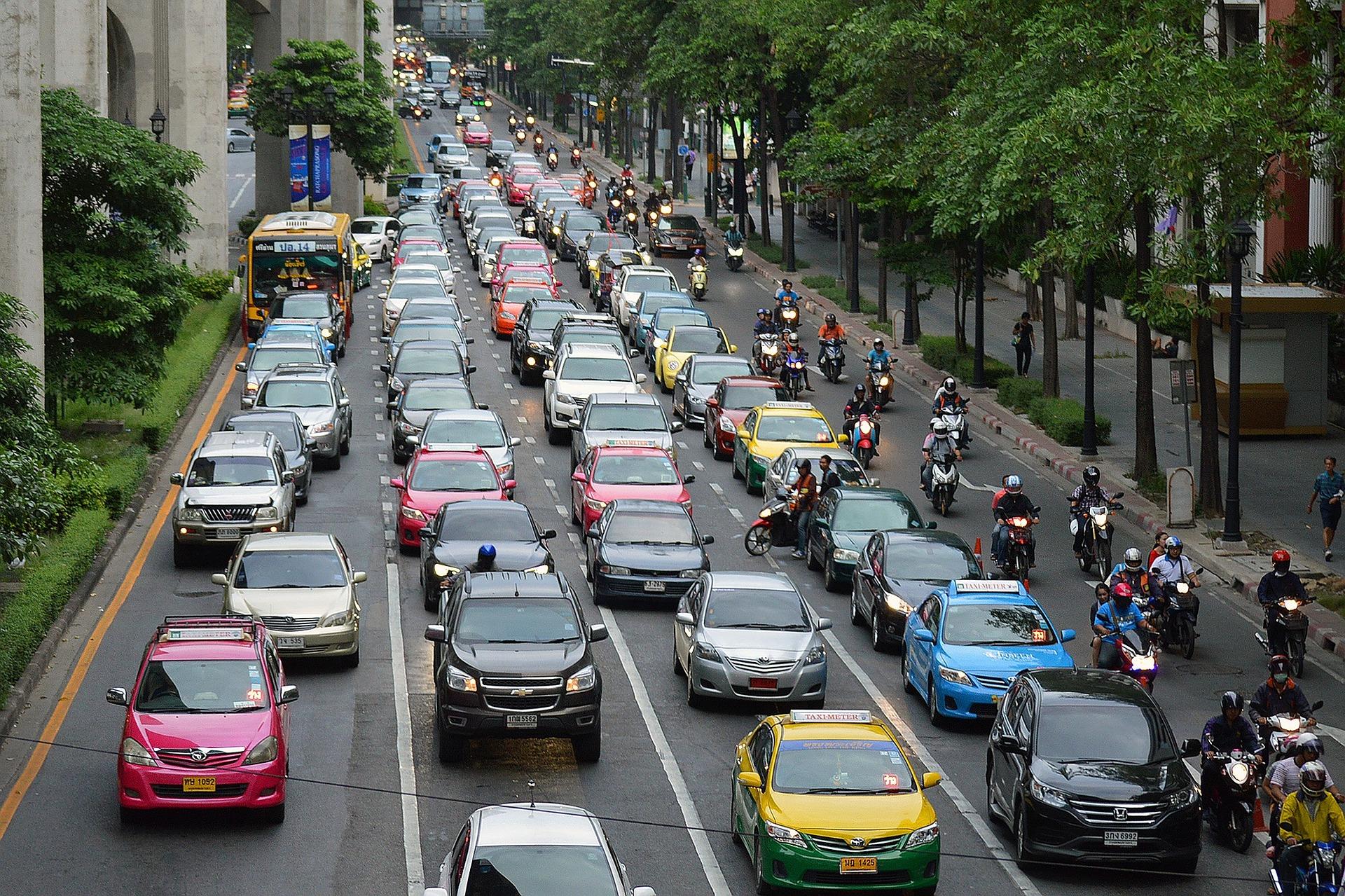 traffic-843309_1920.jpg