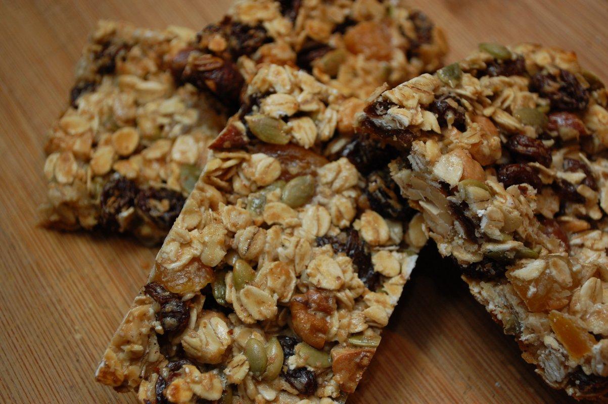 57100e18b1eee97476da1780_granola-bars.jpg