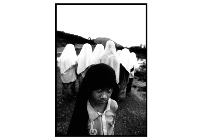 Untitled, from 'Panguai',  gelatin silver print © 1993 Gusmano Cesaretti  Ref: Panguai2   ALL IMAGES AVAILABLE FOR SALE Please    email us    with the specific Ref # for quote.