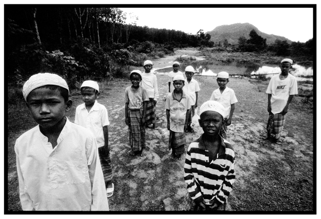 Untitled, from 'Panguai',  gelatin silver print © 1993 Gusmano Cesaretti  Ref: Panguai4   ALL IMAGES AVAILABLE FOR SALE Please    email us    with the specific Ref # for quote.