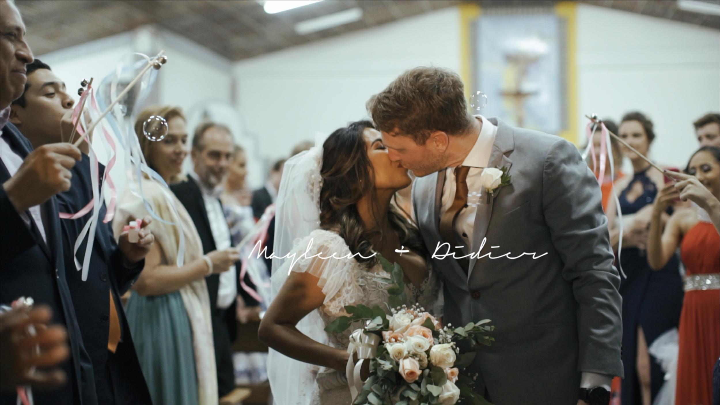Mayleen + Didier - Hermosa boda belga-panameña en el distrito de Boquete, Chiriquí. En la que viajaron personas de diferentes partes del mundo para poder compartir con esta pareja tan particular.