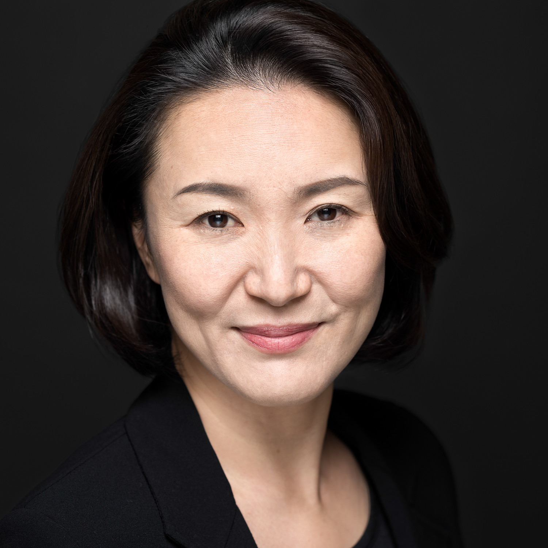 Linkedin Portraits - © Anthony Wood - Tokyo, Japan - Personal Branding Headshots.