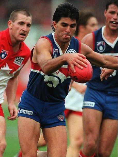 Jose playing footy for the Western Bulldogs. Photo © australianfootball.com