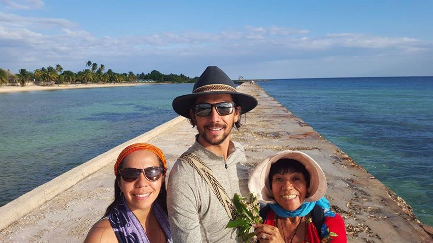 Juan Pablo with his sister and mum in Cuba