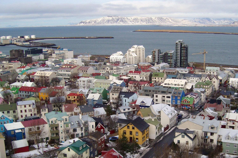 19 februari 2020 - vlucht naar IJsland - Overdag vliegen we van Tromsø via Oslo naar Reykjavik. Onze bestemming op IJsland van deze dag hangt af van het weer. Lees hieronder meer over onze strategie om jou op de beste plek te krijgen voor het spotten van de Aurora Borealis!Overnachting: nader te bepalen