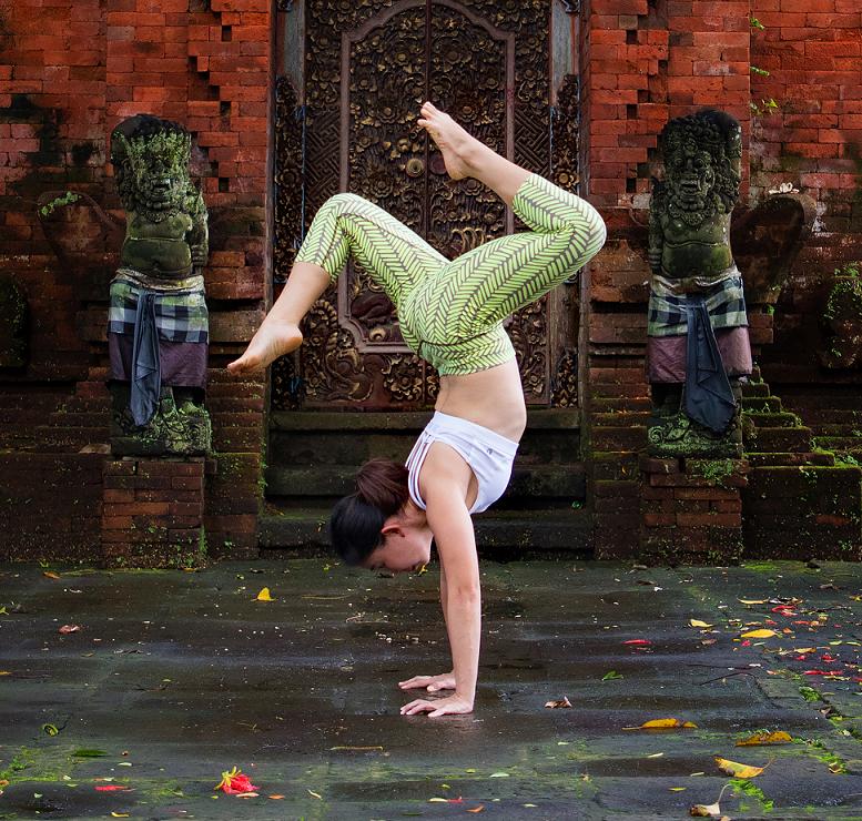 Sze Sze Yoga 032n.png