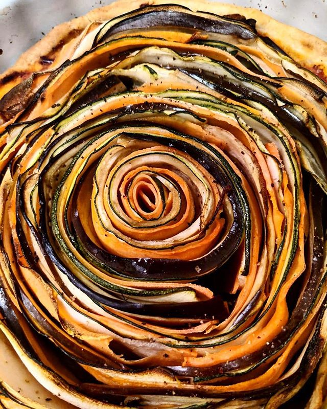 Check out this spectacular spiral tart. Just one of the courses at this weekend's #mindfullsupper hosted by @libbyj1 and @dpearson256