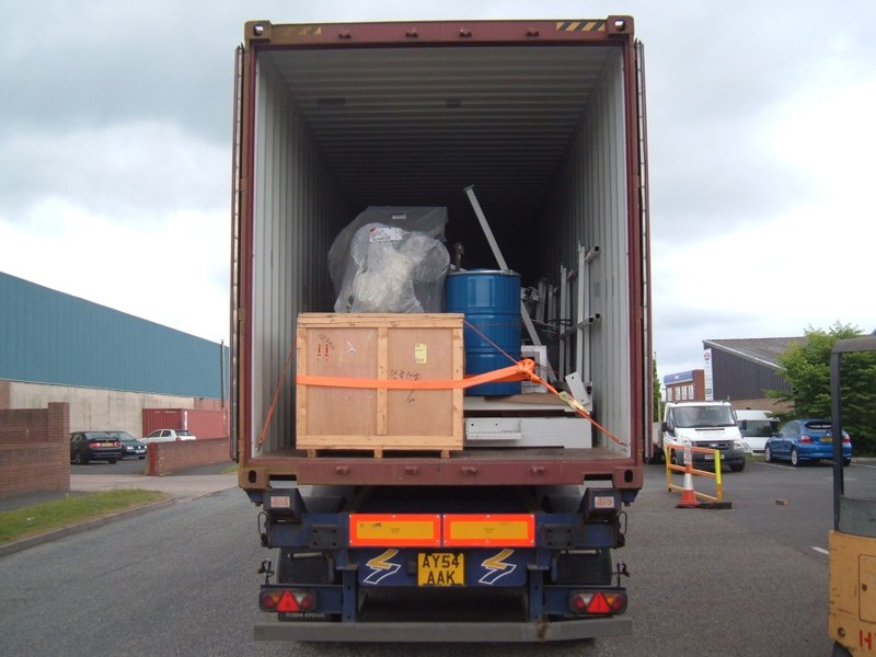 LOAD CONTAINER 011.jpg