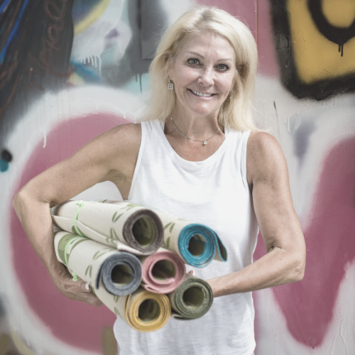 """Positioning Her Business For Its Next Evolution - """"Cassandra's insights and direction are always on target. She has given me the courage to make and even embrace change as I move forward with my business.""""VICKI MASON, FOUNDER & CEO"""