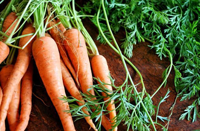 Carrots-For-Teeth-Whitening.jpg