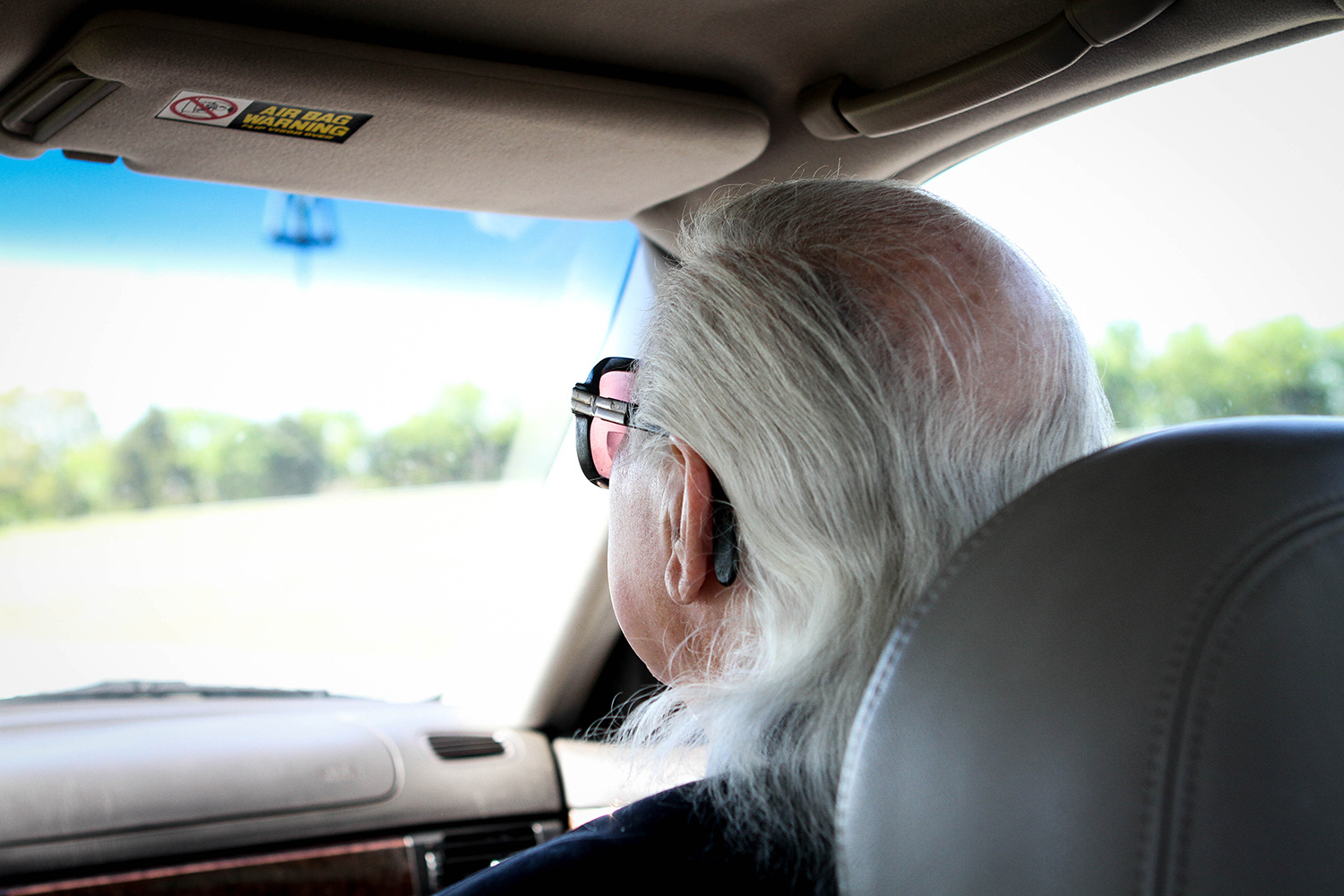 Maura Friedman / Chattanooga Times Free Press . May 3, 2014. Radio personality Tommy Jett sets out for the Tennessee Radio Personality Hall of Fame dinner from his home in Flintstone, Walker County, Georgia.