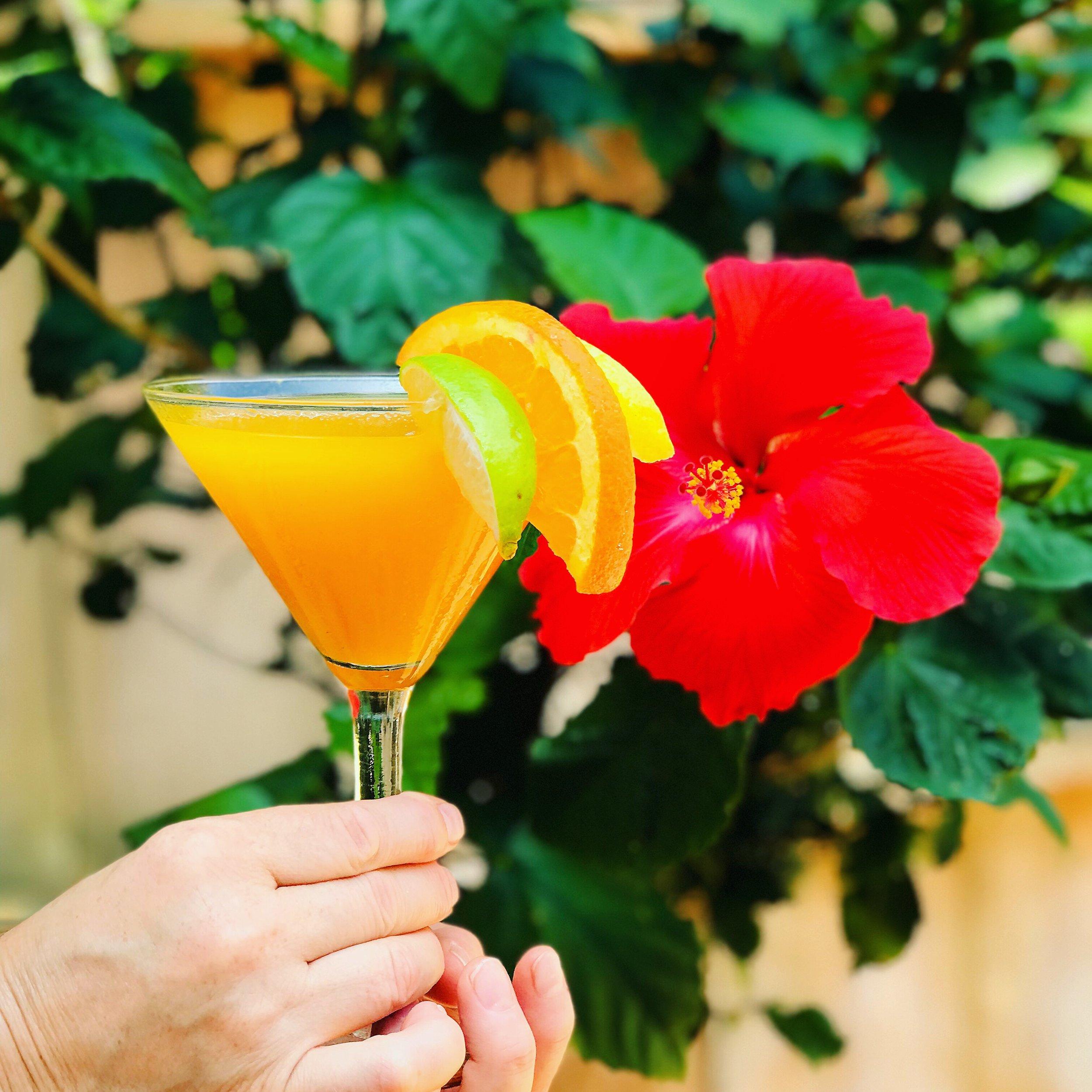 the-flats-passionfruit-pineapple-martini.jpg