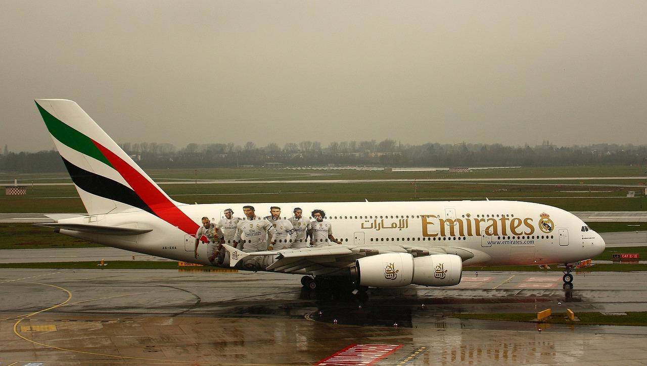 emirates-2651028_1280.jpg