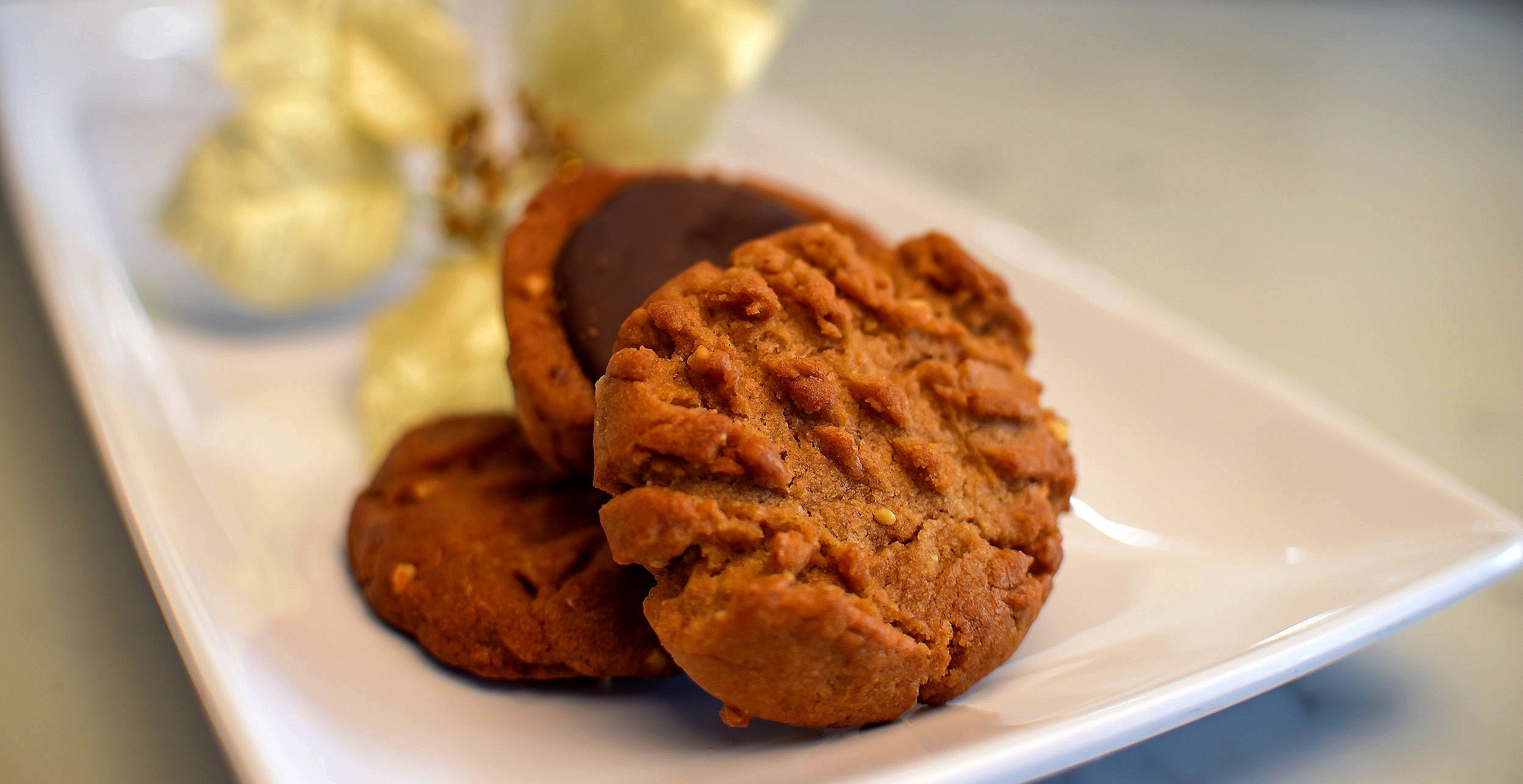 Peanut Butter Vegan Cookies.  Image  www.asiahamilton.photography