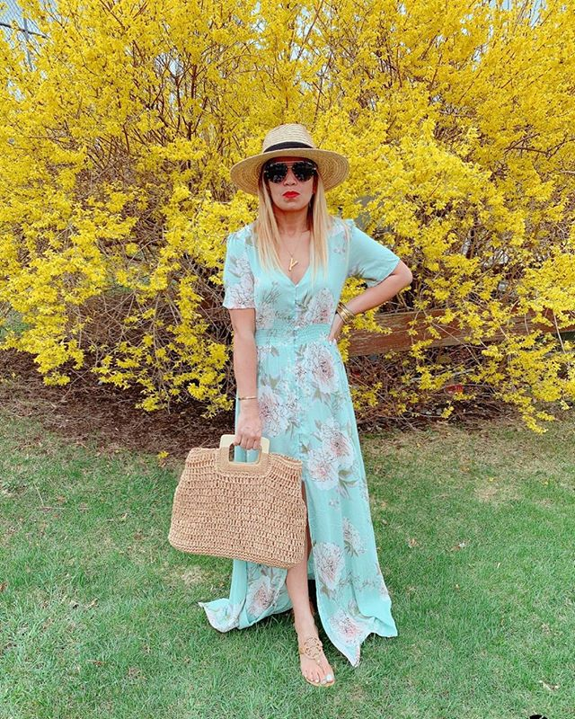 Happy Easter Sunday 🐣🐰 Enjoying the day with the family. Btw, this dress is under $28! http://liketk.it/2BjaX #liketkit @liketoknow.it Follow me on the LIKEtoKNOW.it app to get the product details for this look and others #LTKspring #LTKstyletip #LTKsalealert #LTKitbag #LTKunder50 . . . . . . . . . #happyeaster #igdaily #igstyle #blogger #styleinspo #bloggerstyle #springstyle #esater #stylelookbook #spring #springfashion #amazonfashion #toryburch #toryburchmiller #nordstrom #wovenbag and #brixtonhat #quayaustralia