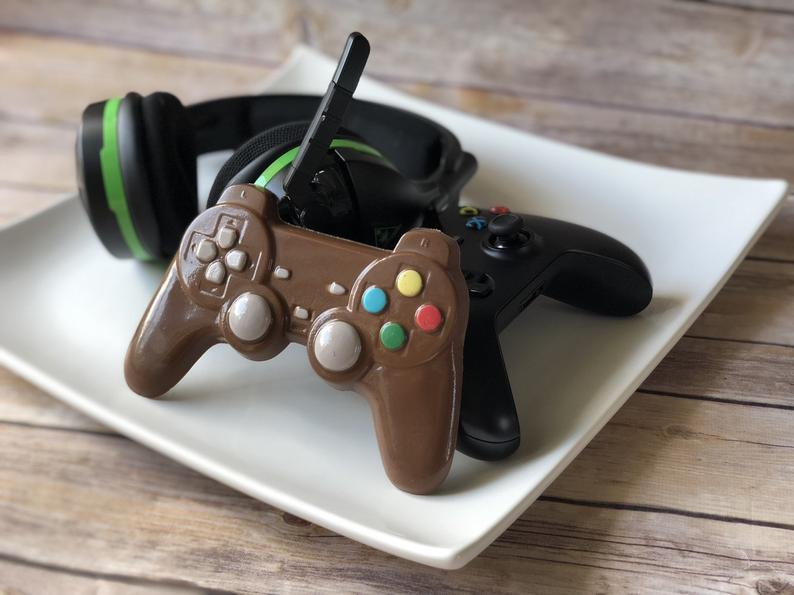 This makes me smile. If your husband/dad is a gamer and a fan of chocolate it is a win-win! You get to choose between milk, dark and white chocolate.