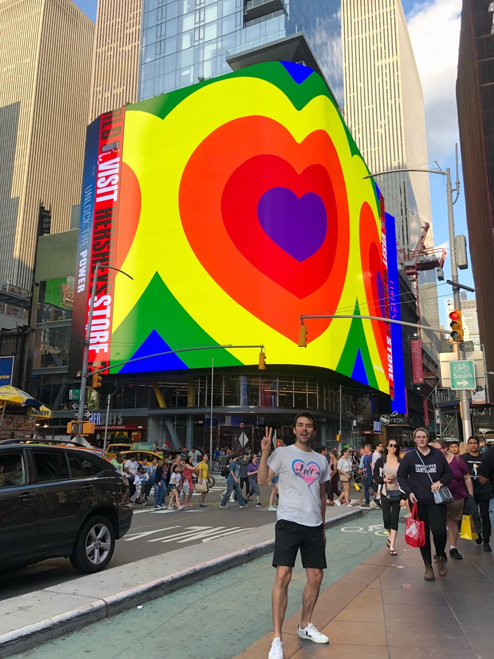 nicholas-konert-spread-love-project-times-square-edition-03.jpeg