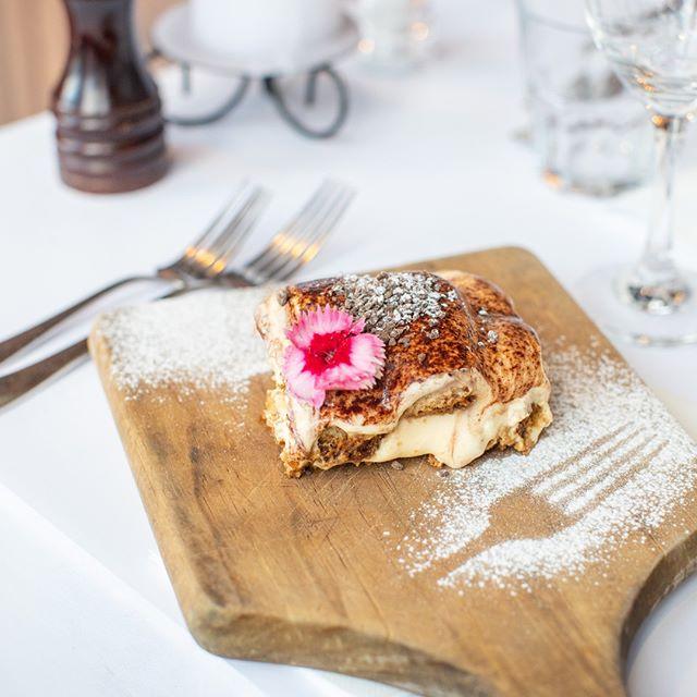 We never forget about dessert! Beautiful tiramisu to finish the night #eatsimpleeatwell