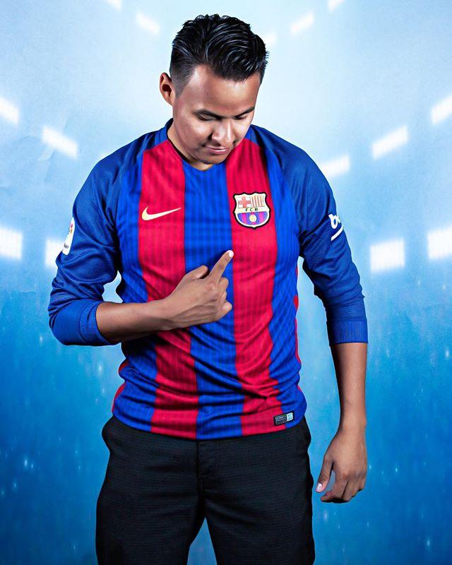 #1 fan! #1 #barcelona #fcbarcelona #soccer  #fanboy #canon7dmarkii #canon50mm #photoshop #westcottrapidbox