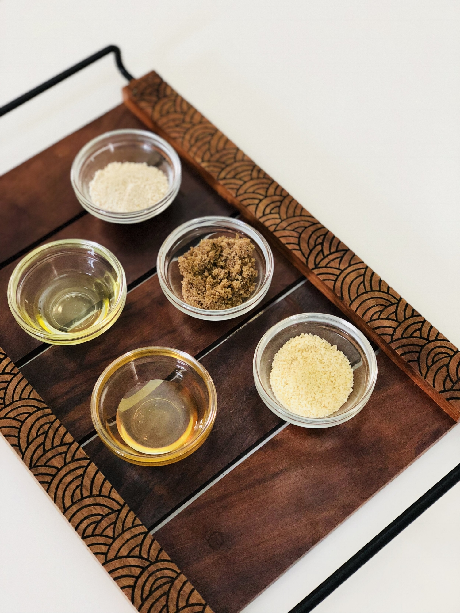 DIY Oatmeal face scrub — Little Things