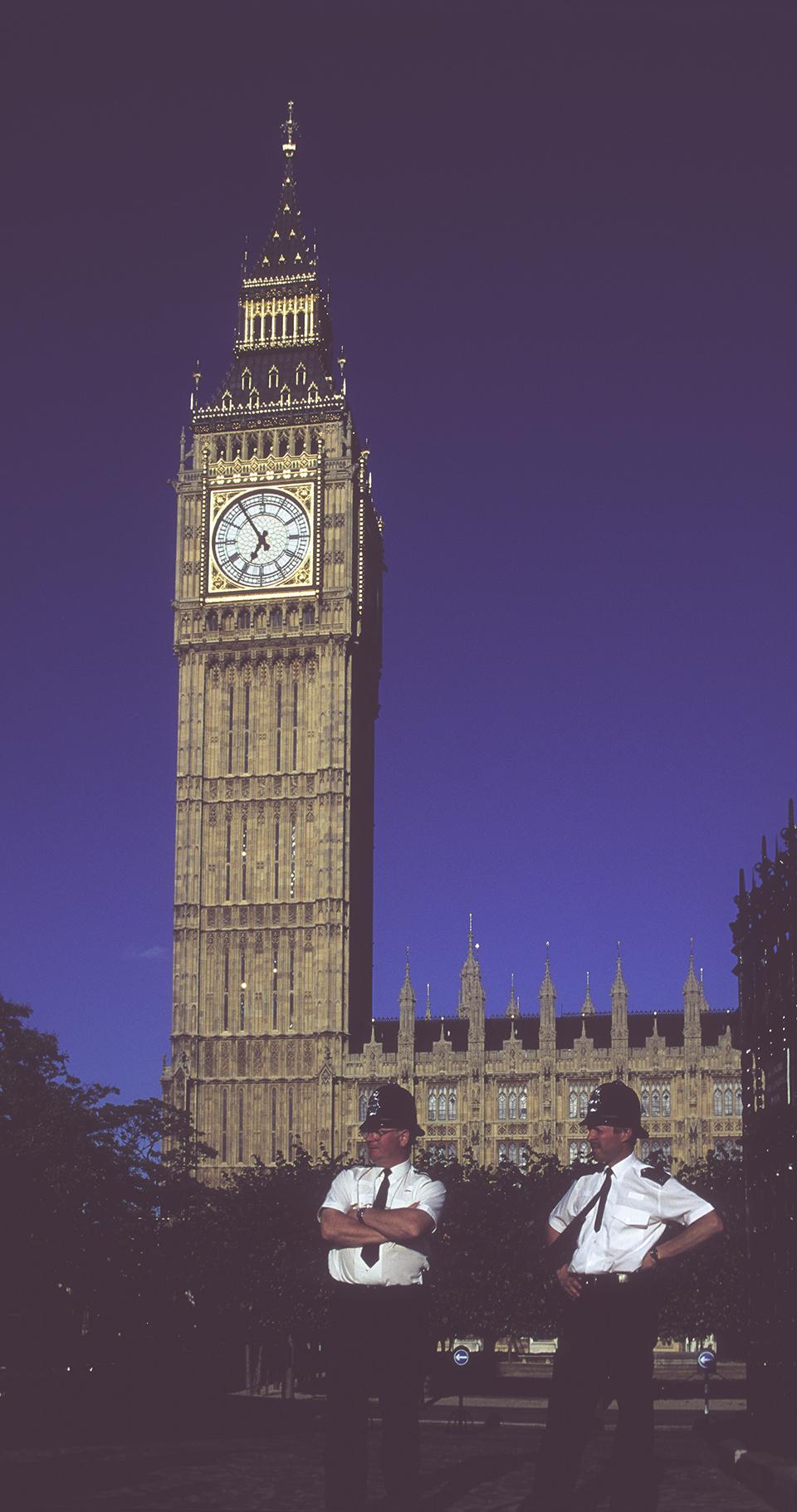 Big Ben & police standing in front, London. 1999_LP.jpg