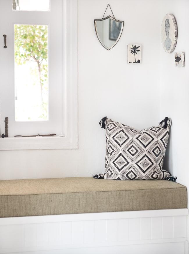 Entrance with cushion and art.jpg