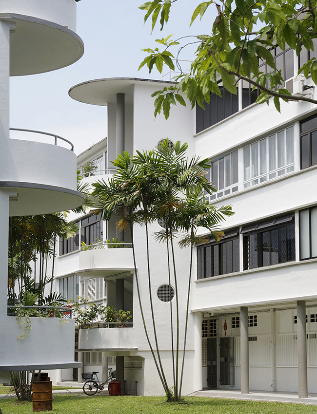 explore singapore - take a walk around Tiong Bahru and explore all the beautiful architecture of this historic area in the heart of Singapore