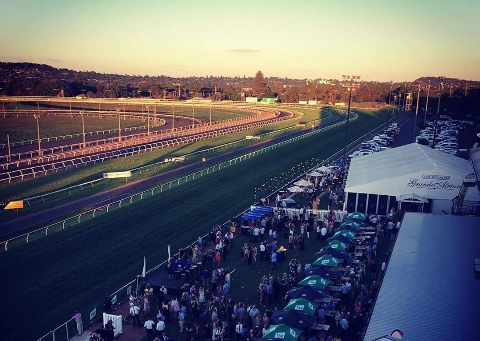 An hour after the last race we witnessed a glorious Darling Downs sunset.