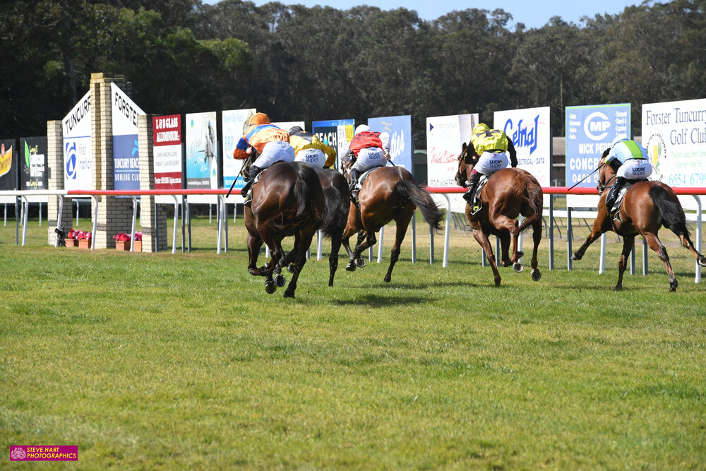 Image courtesy Steve Hart Photographics - A different angle of Armina making it a double for Louise Day at Tuncurry-Forster.