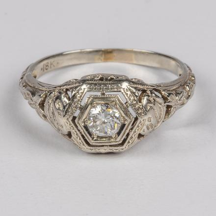 18KT. WHITE GOLD AND DIAMOND RING SET.  Estimate:  $800 - $1,200.    View Lot >