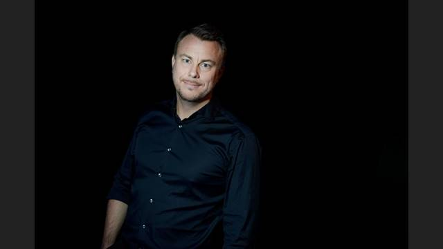 JONAS KARLSSON - Moderator för dagen är sportjournalisten Jonas Karlsson. Med 20 års erfarenhet av tv-världen är Jonas en av landets mest erfarna sportjournalister. Han arbetar även som moderator och konferencier och är en av landets mest anlitade föreläsare inom antidopning.