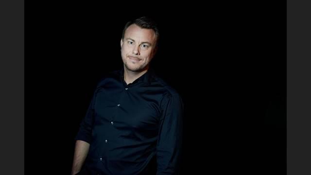 JONAS KARLSSON - Moderator för dagen är Jonas Karlsson. Med 20 års erfarenhet av tv-världen är Jonas en av landets mest erfarna sportjournalister. Han arbetar även som moderator, konferencier och är en av landets mest anlitade föreläsare inom antidopning.