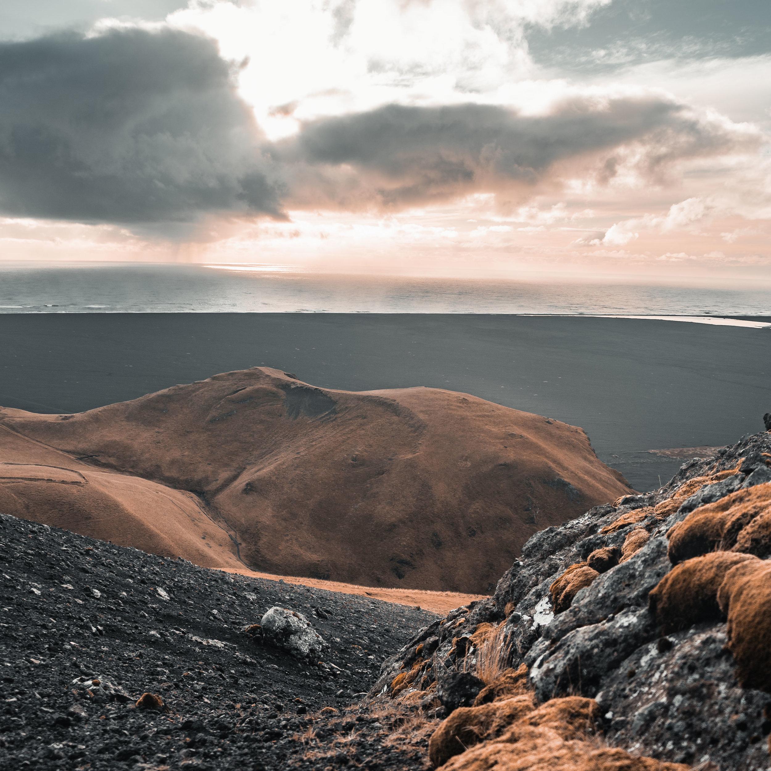 ICELAND  -  GRAY SKIES