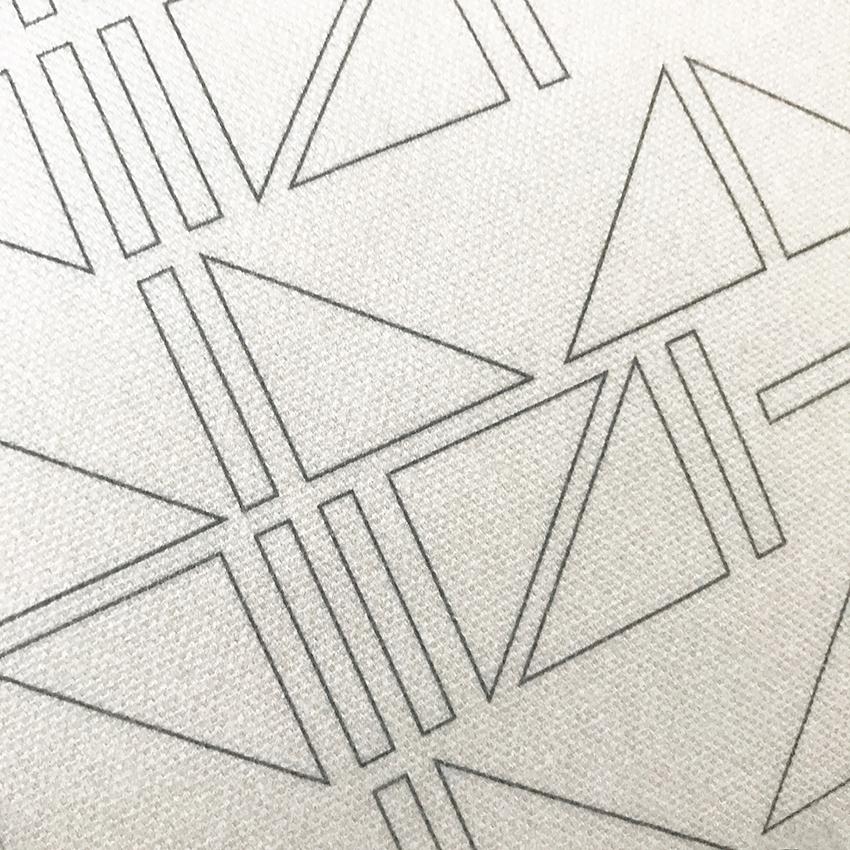 Outline: Monochrome