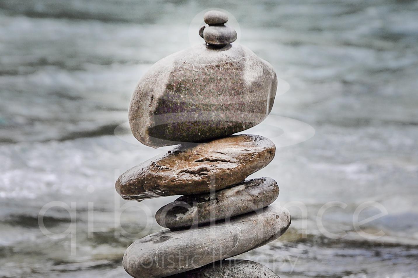 Qi (chi) balance - Qi (chi) είναιη κινέζικη ονομασία της ζωτικής μας ενέργειας. Σύμφωνα με την παραδοσιακή κινέζικη ιατρική το Qi πρέπει να κινείται αδιάκοπα και ανεμπόδιστα μέσα στο σώμα μας ώστε να διατηρεί την ισορροπία στις λειτουργίες του σώματος και του νουμας.Έτσι επιτυγχάνεται η καλή υγεία και η μακροζωία.Για να κινείται συνεχώς και ελεύθερα το Qi, χρειάζεται να είναι σε ισορροπία οι δύο αντίθετες αλλά συμπληρωματικές συμπαντικές δυνάμεις: το Yin(γιν) και το Yang (γιάνγκ)Mέσα από τις διάφορες θεραπευτικές τέχνες που ασκούμε στο θεραπευτικό μας κέντρο