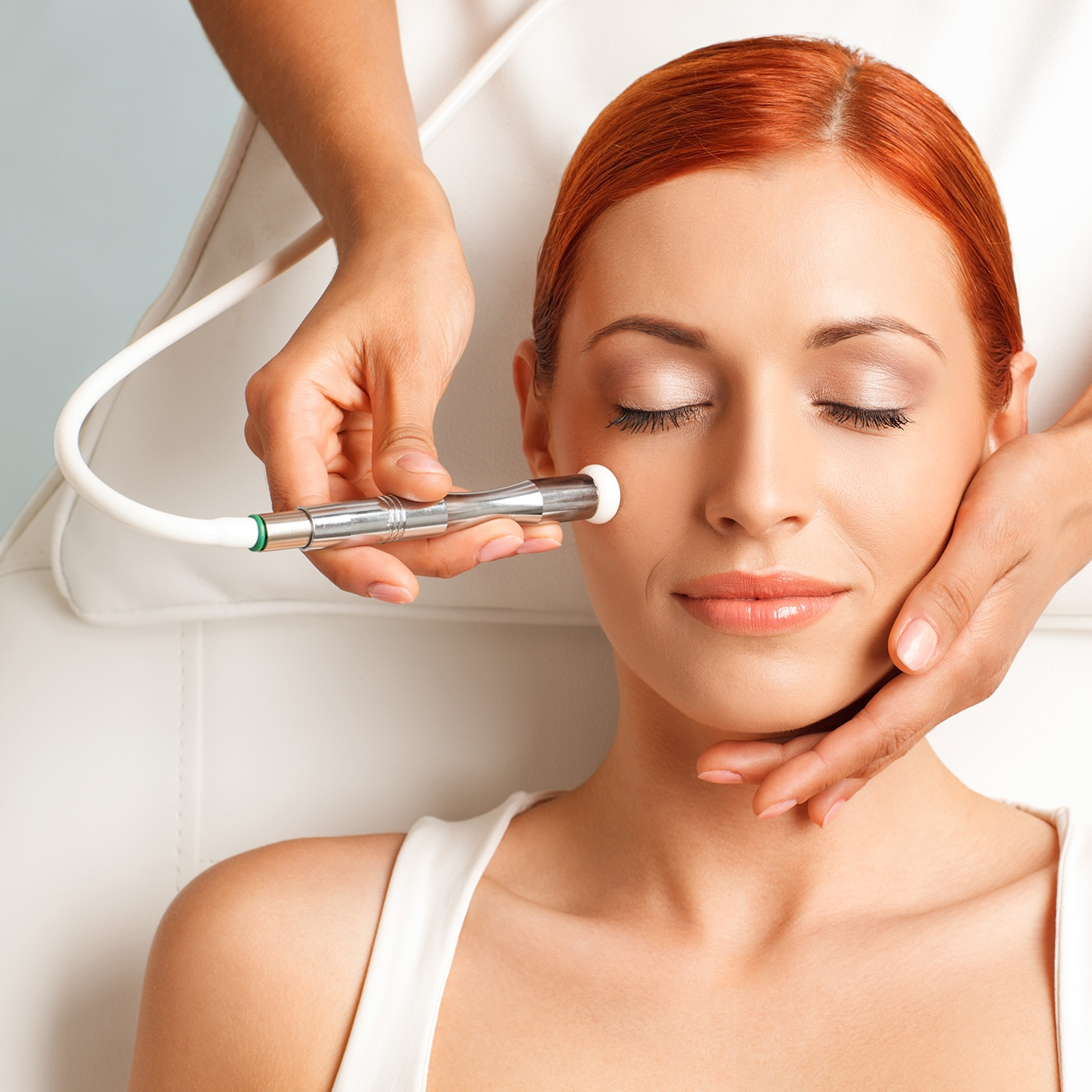 Microdermabrasion 3 in 1 Combo   Microdermabrasion is a facial procedure that uses manual exfoliation to remove the outer layer of skin.   Benifits are…   - Reduces Fine Lines & Wrinkles - Shrinks and Cleans Pores - Removes Dead Skin Cells - Reduces Scaring  - Reduces & Controls Acne  - Promotes Collagen  In our 3 in 1 Combo you receive a deep cleansing, microdermabrasion, pumpkin enzyme peel, extraction and an organic clay mask and facial massage.   $100