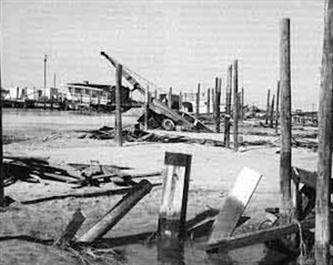 The remains of Oregon Inlet Marina. Photo: The Ash Wednesday Storm by David Stick