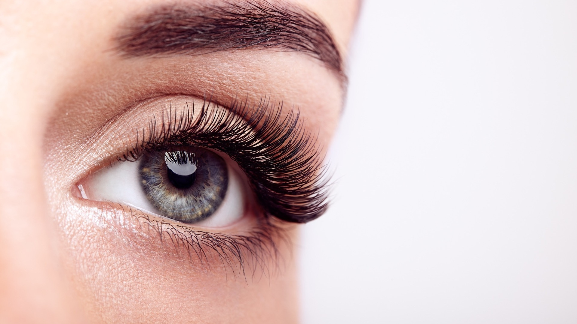 Classic Lash Extensions - A perfectly tailored and customized design is based on each client's eye shape and personal style. During the appointment we will determine the length, curl and look you would like to achieve.