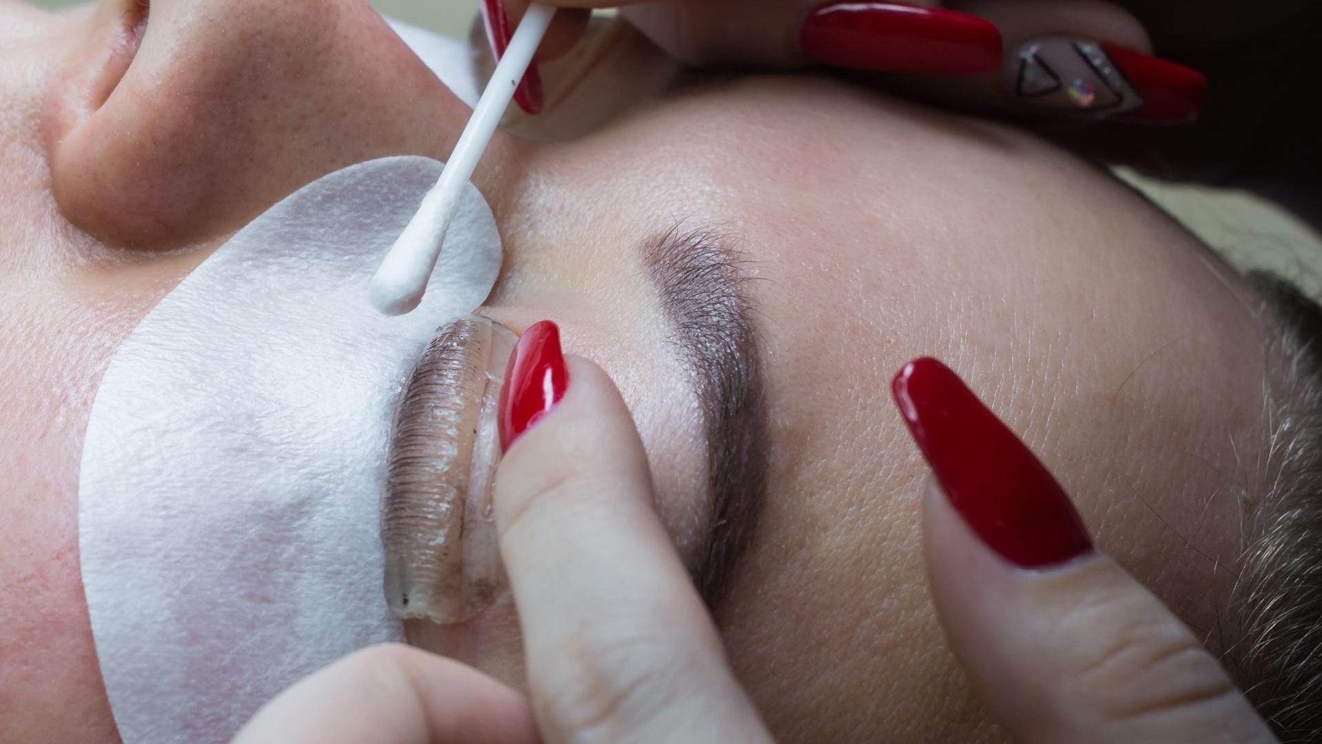 Eyelash Lifts and Tint - Eyelash lifts enhance the shape of your eyelashes' natural curl, giving an effortless result similar to that of a professional, mechanical eyelash curler. Eyelash tint services deepen the colour of natural eyelashes, providing mascara-free definition.