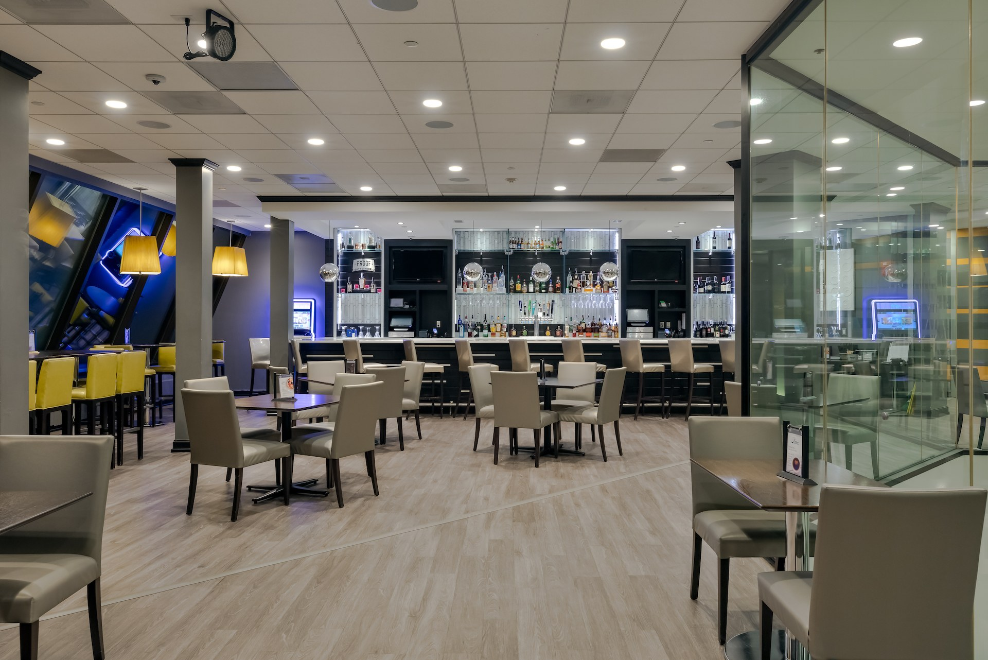 Level 2 Eats plus Drinks Bar and Lounge-2.jpg