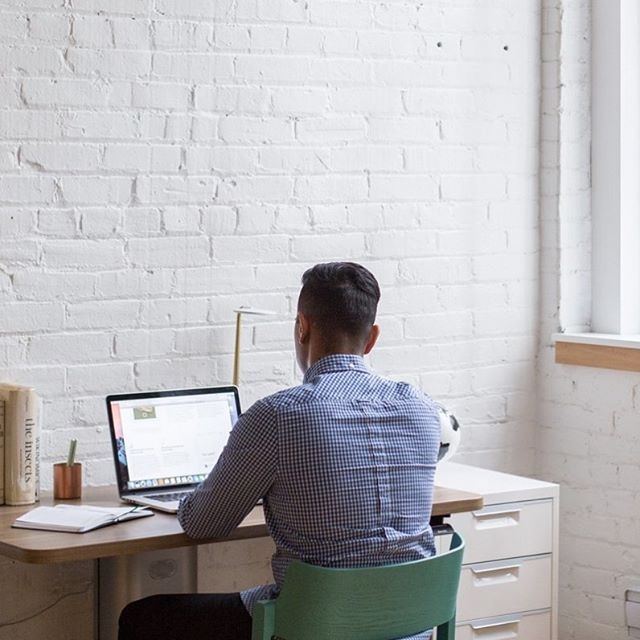 Searching for your next gig? 🤔 CBS Sports, Airbnb, CNN and so many more are looking for #freelance talent like you! 🙌 Tap the link in our bio to scope new freelance job listings. 👉 #thefutureisfreelance #freelancejobs #freelancelife #jobsearch #gigeconomy #homeoffice #workfromanywhere