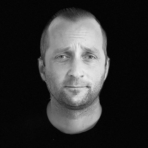 Simon brunnegård - Snickare