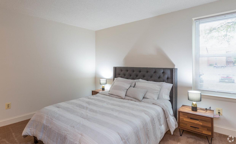 briarcliff-apartments-cockeysville-md-2br-15ba---legacy (7).jpg