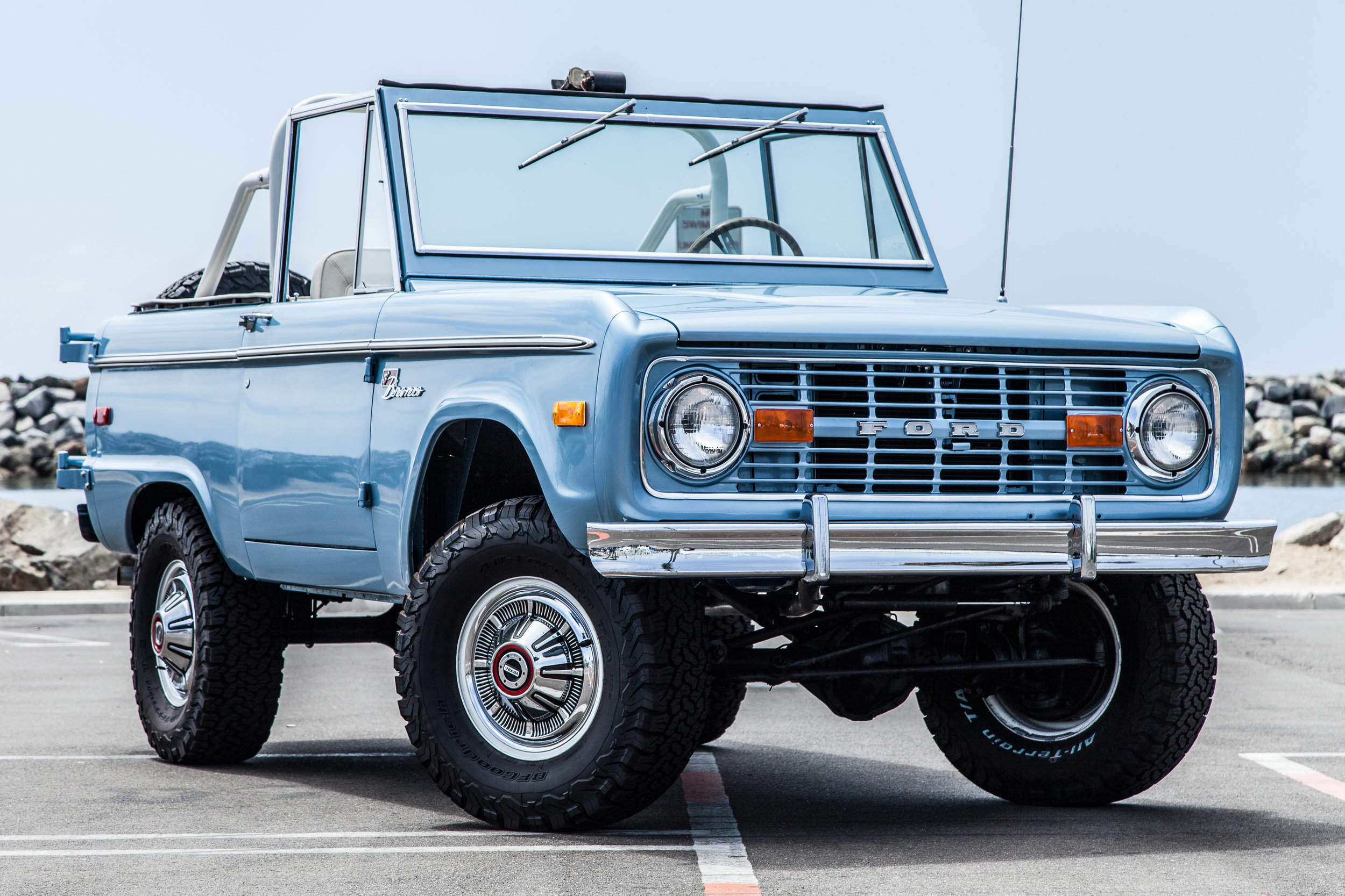 —1975 Ford Bronco Sport—