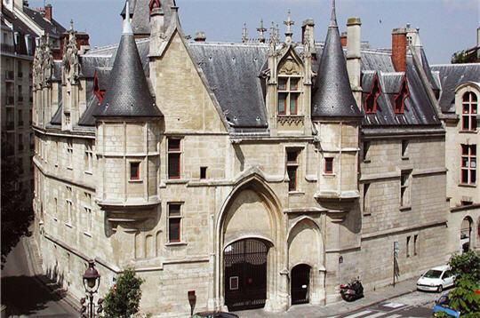 dive deep into historical paris -