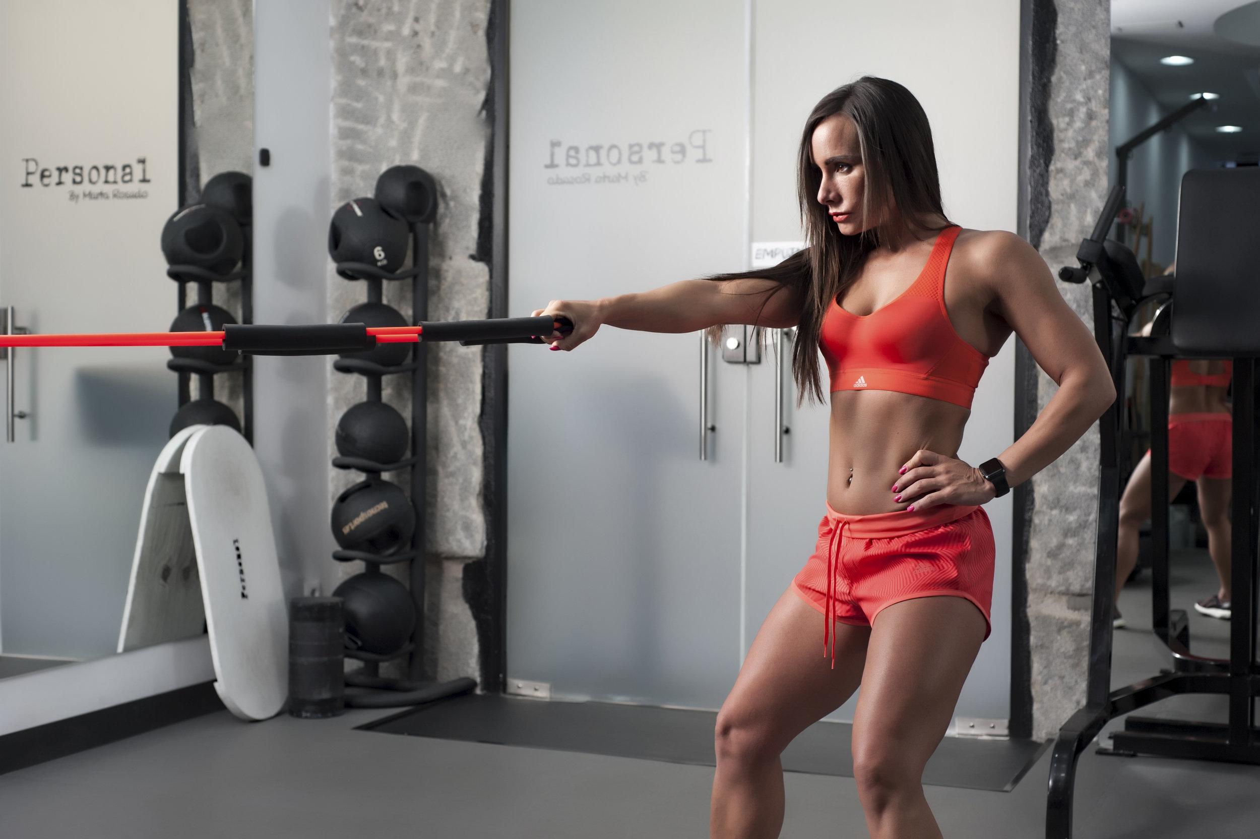 """Cada vez más estudios confirman la eficacia de este entrenamiento (pesas, gomas, ejercicios isométricos, método TRX, trabajo con el peso corporal)"""", según Rosado.Foto: Personal By Marta Rosado."""